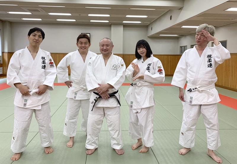 左から佐佐木さん、井戸田さん、初瀬、小澤さん、小沢さんの写真